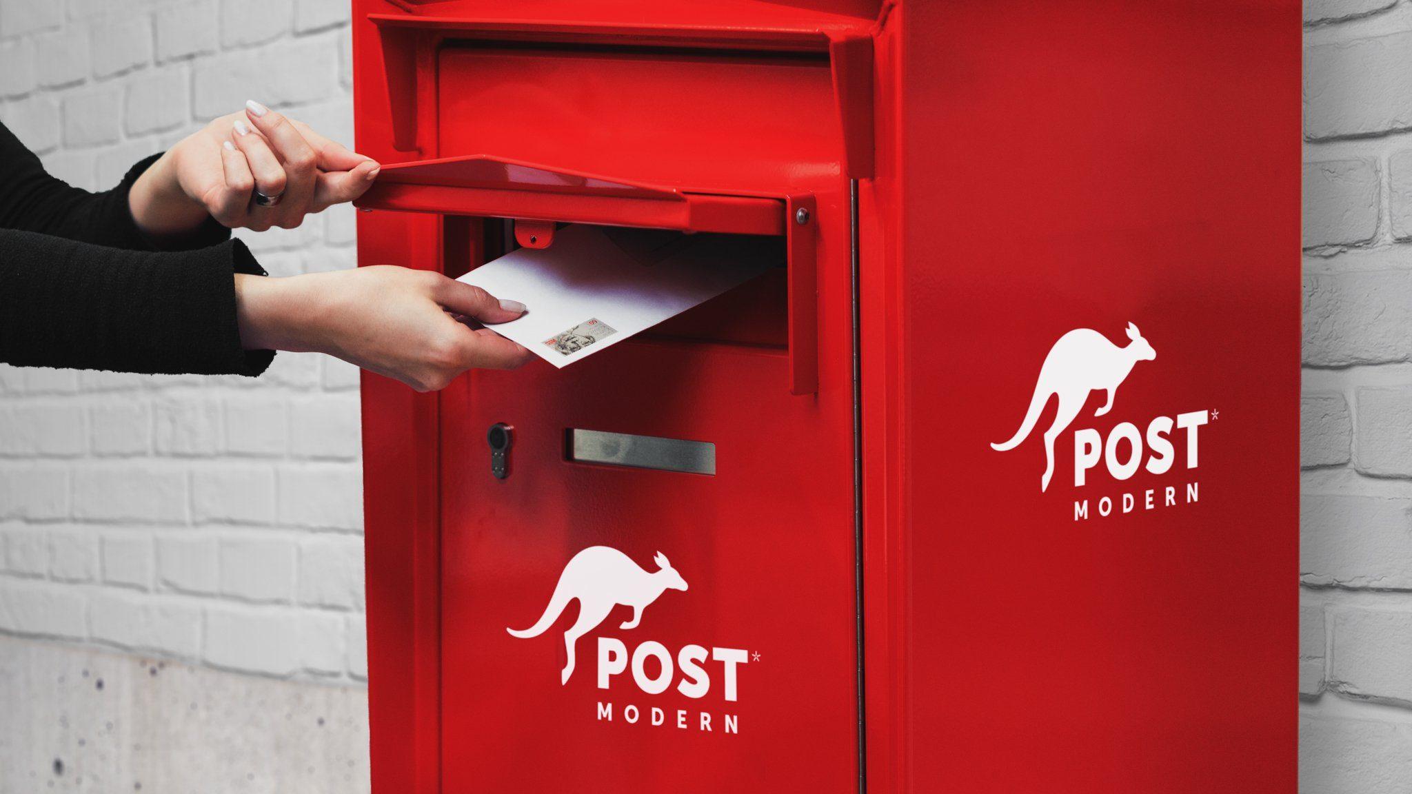 Der rote Briefkasten von PostModern in Dresden