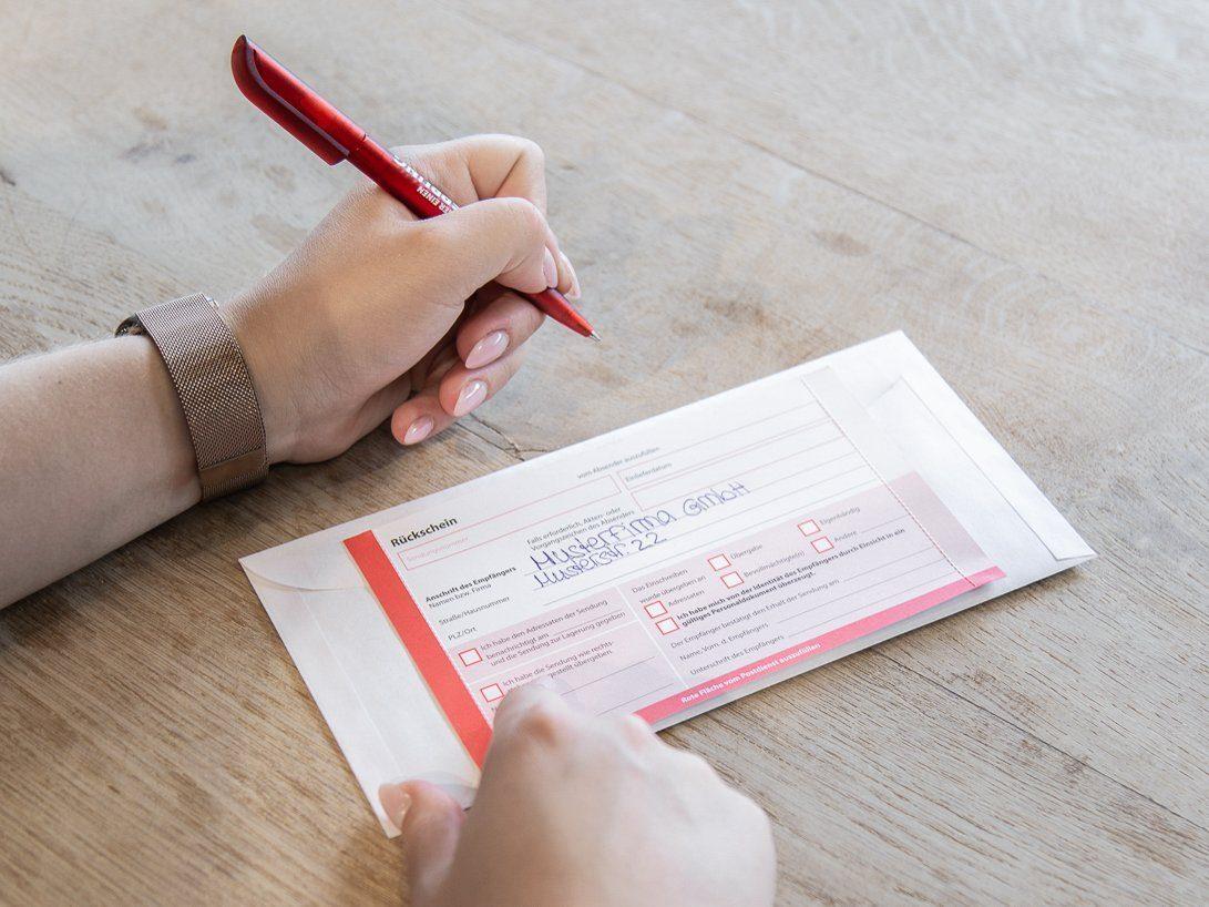 Einschreiben mit Rückschein von PostModern