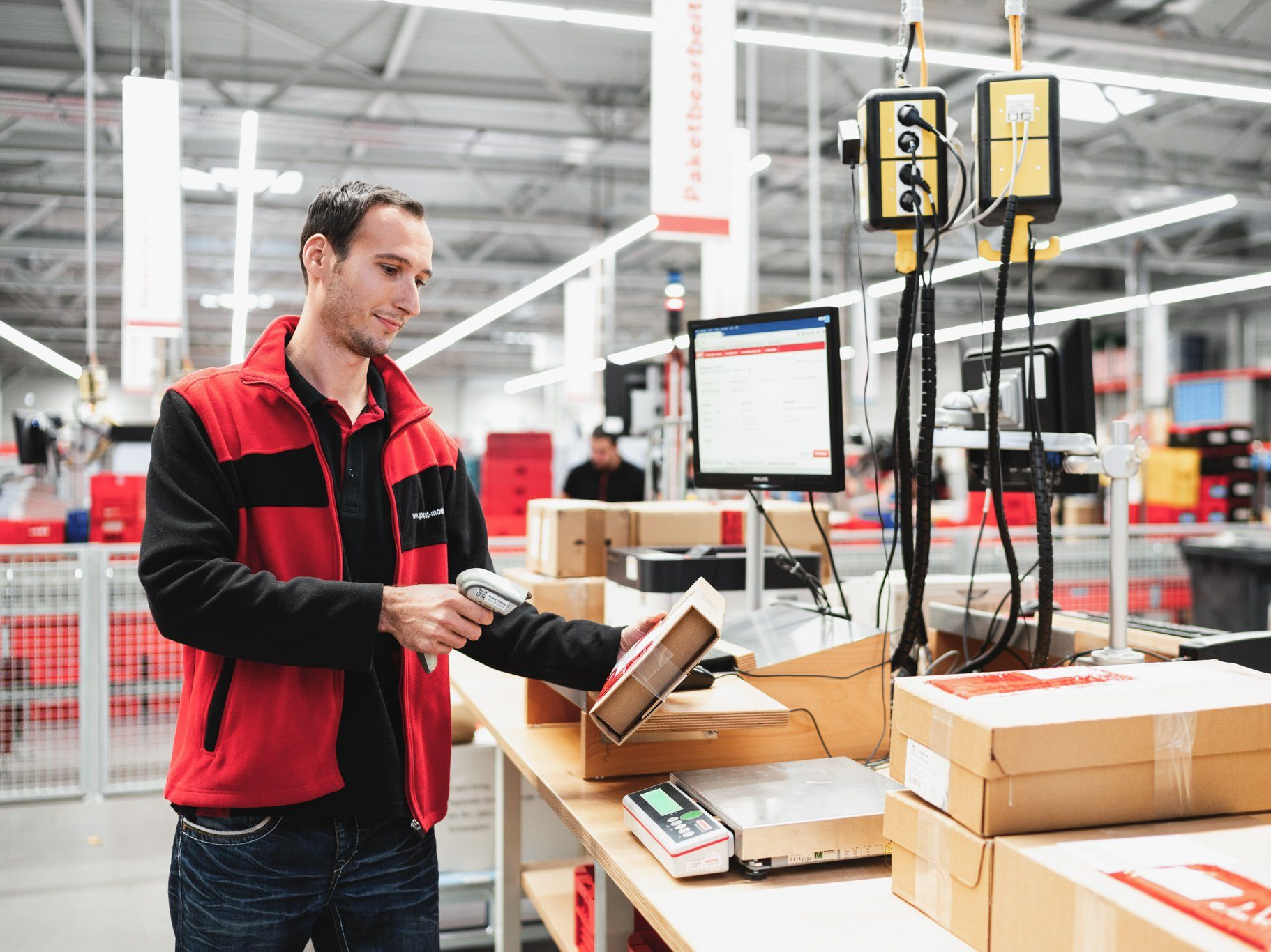 Pakete mit PostModern weltweit versenden