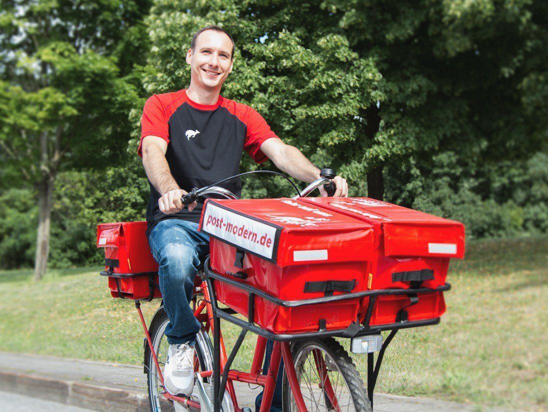 PostModern stell Briefe mit Fahrrad zu